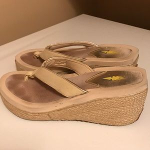 Volatile Wedge Sandals Size 9